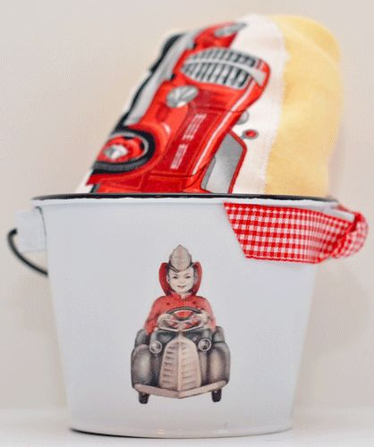 fire truck tee and bucket set